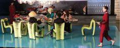 """Interesantes sillas """"Seatbelt"""" de """"Phillips Collection"""" en los juegos del hambre. Puro #diseño"""