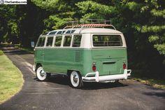 Classic Campers, Vw Classic, Volkswagen Type 2, Volkswagen Golf, My Dream Car, Dream Cars, Wolkswagen Van, Samba, Safari Windows