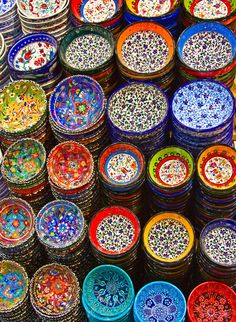Turkish Ceramics I love the brilliant colors of these bowls. Why o why didnt I buy the whole store when I saw them? The ULTIMATE color palette inspiration! Gaudi, Ceramic Pottery, Ceramic Plates, Ceramic Art, Talavera Pottery, Color Inspiration, Sweet Home, Clay, Dishes