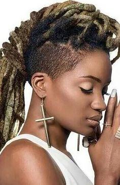 25 Cool Dreadlock Hairstyles for Women - The Trend Spotter Mohawk Dreads, Thin Dreads, Dreadlocks, Dreads Girl, Short Dread Styles, Foam Rollers Hair, Pretty Dreads, Female Dreads, Dreadlock Hairstyles