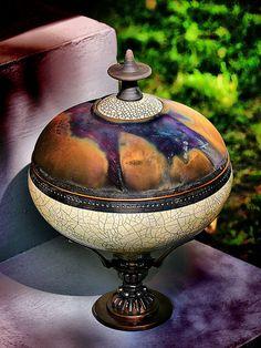 raku @ Shaw Art Fair - design idea for gourds Raku Pottery, Pottery Art, Kintsugi, Vases, Crea Design, Ikebana, Gourd Art, Contemporary Ceramics, Ceramic Clay