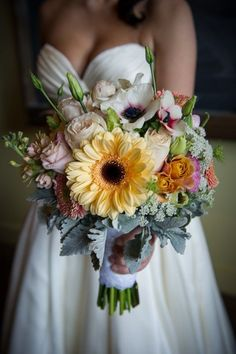 The perfect rustic wedding bouquet