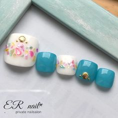 ...|ネイルデザインを探すならネイル数No.1のネイルブック Gel Toe Nails, Feet Nails, Pedicure Nails, Toe Nail Art, Pedicures, Pretty Toe Nails, Cute Toe Nails, Pretty Toes, Fancy Nails