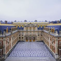 Prince de Versailles — prince-de-versailles:   The Marble Courtyard is...