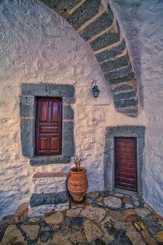 Greek doorway by Victor Caroli Crete Island, Crete Greece, Greece Travel, Greek Islands, Dream Vacations, Athens, Santorini, The Good Place, Beautiful Places