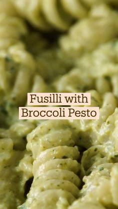 Fun Baking Recipes, Cooking Recipes, Comida Diy, Broccoli Pesto, Vegetarian Recipes, Healthy Recipes, Pot Pasta, Diy Food, Healthy Cooking
