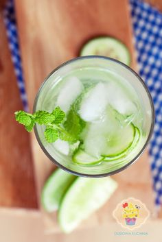 lemonade with cucumber and mint