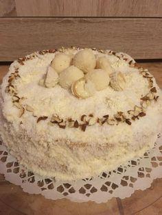 Raffaello torta, édes mandulás, kókuszos csoda! Minden nap elkészíteném ezt a finomságot! Cakes And More, Camembert Cheese, Recipies, Cheesecake, Deserts, Food And Drink, Birthday Cake, Nap, Snacks