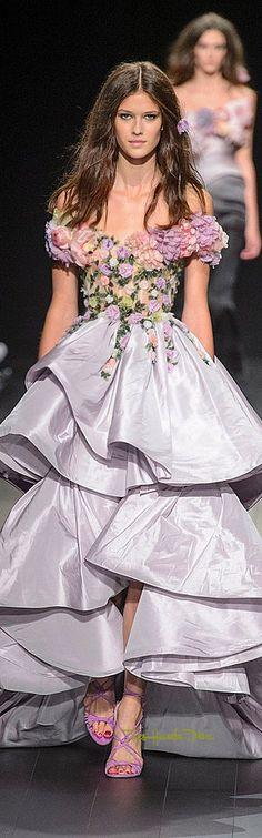 Marchesa Spring-summer 2018 - Ready-to-Wear Georgina Chapman, Couture Fashion, Runway Fashion, Fashion Show, Fashion 2018, Armani Prive, Beautiful Gowns, Beautiful Outfits, Marchesa Fashion
