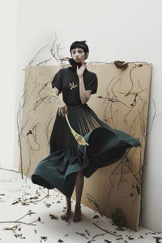 E WHA LIM. Royal College Of Art. KNIT and WOOD. NHU XUAN HUA photography.