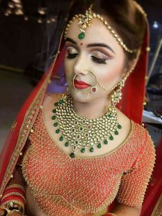 New Indian Bridal Jewelry Sets Kundan India Ideas Mac Bridal Makeup, Indian Bridal Makeup, Bridal Makeup Looks, Bridal Looks, Bridal Style, Asian Bridal, Indian Bridal Jewelry Sets, Bridal Jewellery, Bridal Nose Ring