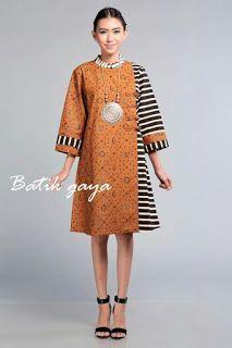 Batik with kain lurik for CNY Muslim Fashion, Ethnic Fashion, Hijab Fashion, African Fashion, Fashion Dresses, Womens Fashion, Blouse Batik, Batik Dress, Dress Batik Kombinasi