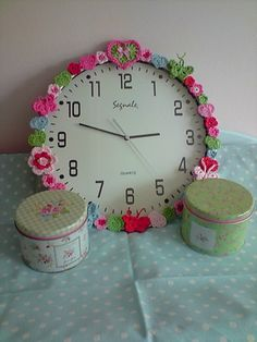 clock with crochet details ~ Inspiration
