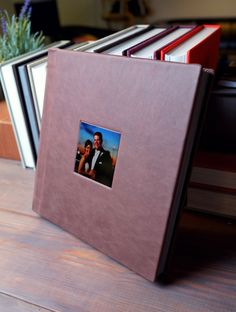 Don't you love how well the Cocoa leather looks on our 12x12 Flushmount Album! <3 Cameo image by Exposure Photography