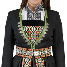 Bilderesultat for osbunad Folk Costume, Costumes, Folk Clothing, Folklore, Norway, Textiles, Jewellery, Embroidery, Beads