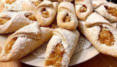 Margarinsiz Kek Gibi Yumuşacık Elmalı Kurabiye nasıl yapılır? Margarinsiz Kek Gibi Yumuşacık Elmalı Kurabiye Tarifi için malzeme listesi, kalori bilgisi, detaylı anlatımı, tarife ait fotoğraf ve yapılış videosu için tıklayınız. (328 kalori) Gönderen: ♨️Dilek mutfakta♨️