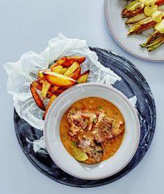Pomalý hrnec je přístroj pro domácí vaření, který si získal obrovskou popularitu především v Americe, ale dávno už si našel cestu do Evropy. Thai Red Curry, Ph, Crockpot, Ethnic Recipes, Food, Slow Cooker, Essen, Meals, Crock Pot