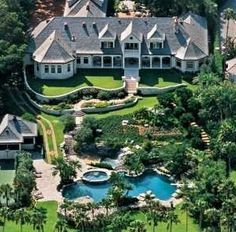 If I had a house like this the whole entire fam could live with us...Lol. ;D