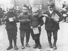 Berlin, 1921 Schulspeisung.