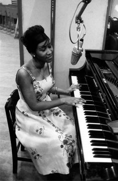 Lovely photo of a young Aretha Franklin.