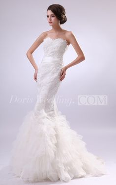 Sweetheart Mermaid Laced Lace Wedding Dress With Ruffled Trumpet Silhouette. #lace #weddings #DorisWedding.com