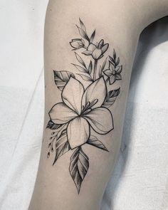 Cute Tiny Tattoos, Pretty Tattoos, Beautiful Tattoos, Small Tattoos, Tattoo Sleeve Designs, Flower Tattoo Designs, Sleeve Tattoos, Plumeria Flower Tattoos, Hibiscus Tattoo