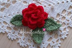 Come fare le rose all'uncinetto arrotolate: schemi e tutorial - manifantasia Crochet Flower Patterns, Crochet Flowers, Sunburst Granny Square, New Years Eve Party, Rose, Crochet Earrings, Projects To Try, Hobby, Biscotti