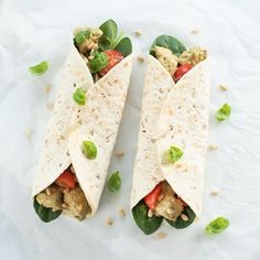 Wraps with creamy chicken pesto - Lunch Snacks I Love Food, Good Food, Yummy Food, Pesto Chicken, Creamy Chicken, Lunch Recipes, Healthy Recipes, Lunch Snacks, Healthy Cooking