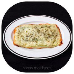 Sanos mordiscos : Receta: Lasaña de calabacín, pavo y queso. Eat Pretty, Canapes, Weight Watchers Meals, Lasagna, Tapas, Healthy Life, Food And Drink, Pasta, Snacks