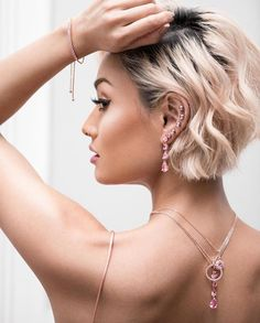 Micah Gianneli - Pink Panther candy Wearing jewellery - their new range slays! Short Blonde, Blonde Hair, Hair Day, New Hair, Pretty Hairstyles, Bob Hairstyles, Hair Inspo, Hair Inspiration, Great Hair