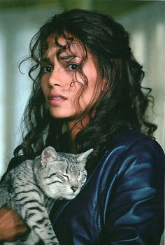 Halle Berry and her cat Play-Doh.