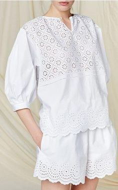 Philosophy di Lorenzo Serafini Resort 2016 Look 41 on Moda Operandi Casual Chic, Casual Wear, Vetement Fashion, Mode Hijab, Cutwork, White Outfits, Dress Patterns, Lace Dress, Street Style
