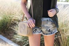 American Fashion Blogger Shea Marie carrying the Gucci Soho Bag