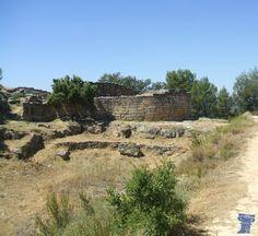 Poblado ibérico de Calaceite San Antonio Poblado ibérico de San Antonio tuvo dos fases de desarrollo: una, inicial, correspondiente a los siglos V y IV a.C, y otra posterior en el siglo III a.C.