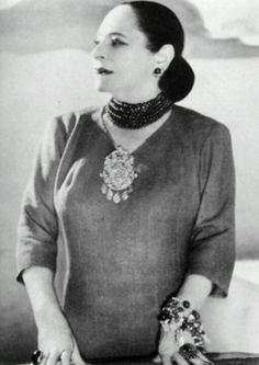 """""""There are no ugly women, just lazy ones."""" ~ Helena Rubinstein These photos of Rubinstein illustrate her belief. She was a woman of grea. Divas, Art Deco Fashion, Vintage Fashion, Gone Girl, Great Women, War Paint, Beauty Industry, Looking For Women, Business Women"""