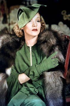 Marlene Dietrich, glamourous in green