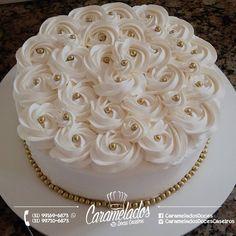 Cake Decorating Designs, Easy Cake Decorating, Cake Decorating Techniques, Homemade Ice Cream Sandwiches, Cake Preparation, Buttercream Cake Designs, 50th Wedding Anniversary Cakes, Bolo Floral, Religious Cakes