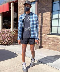 Street Style Outfits Men, Black Men Street Fashion, Dope Outfits For Guys, Stylish Mens Outfits, Festival Looks, Streetwear Summer, Streetwear Shorts, Summer Shorts Outfits, Swagg