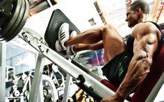Para ter pernas bonitas, tonificadas e bem torneadas com músculos aparentes é preciso investir em um treino eficiente e alimentação adequada.