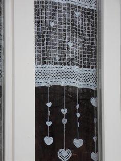 Rideau crochet fait main constellation de coeurs : Textiles et tapis par foux-elle