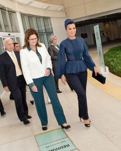 HH Sheikha Moza during her visit to CENPES Research center in Brazil in September 2013. She looked absolutely chic in blue Ulyana Sergeenko couture blouse & turban. Great fitted pants, fabulous black peep toes and black leather clutch competed the...