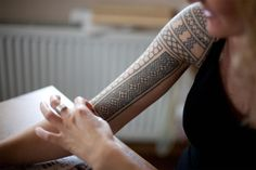 Tatouages primitifs par Karolina Czaja - Journal du Design