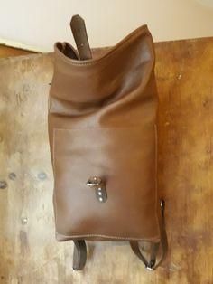Brown leather backpack. Www.etsy.com/shop/ZazooHandCrafts Brown Leather Backpack, Leather Craft, Backpacks, Bags, Etsy, Shopping, Fashion, Handbags, Moda