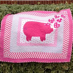 Pink Pig Quilt-----Applique Quilt-----Girl Quilt----Baby Quilt---3D by babiart on Etsy https://www.etsy.com/listing/265690856/pink-pig-quilt-applique-quilt-girl-quilt