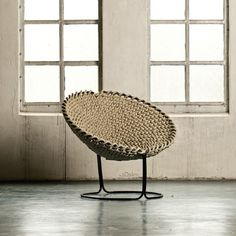 "Rope Chair! 20 ""Why Didn't I Think of That"" Ways to Decorate with Rope. Looks comfy... #modern meets #classic"