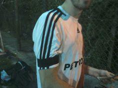Hoy se jugó con brazalete negro porque a Ramón se lo banca en serio.  #SoldadoDeRamón #RamónEsRiver