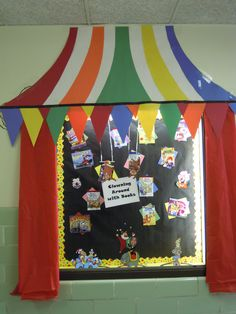 Hollywood Theme Classroom Ideas.  PTA fundraiser event poster, sign, banner, bulletin board, decoration, notice, party.  Announcing classroom that won the contest.  Contest winner announcement. Elementary school PTA, teacher & classroom DIY ideas & inspiration.  Circus, carnival, movie, Hollywood, Art Deco themed events.