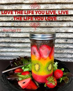 ✨ Love ❤️ the life you live, live the life you love ❤️✨ ✌️❤️ Jamma Sunday Smoothie ❄️strawberrys + mango + kiwi & chia  after legs day  #goodmorning #breakfast #smoothie #drinks #food #foodporn #love #organic #vegan #bodybuilding #fitness #fit #fresh #life #blessed #beautiful #day #motivation #gym #training #instagood #like #eatclean #healty #adaarlee #yoga #bobmarley #music