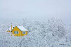 http://edito.seloger.com/lifestyle/ca-buzz/20-maisons-perdues-dans-les-montagnes-pour-etre-seul-au-monde-article-7525.html
