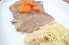 Tafelspitz mit Semmelkren Austrian Recipes, Good Food, Yummy Food, Pot Roast, Nom Nom, Beef, Dishes, Cooking, Ethnic Recipes